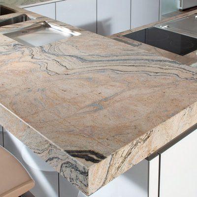 Strasser Küchenarbeitsplatte Gold | Miele Center Rehrl Salzburg
