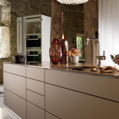 Warendorf Authentic Küche Bronze | Miele Center Rehrl Salzburg
