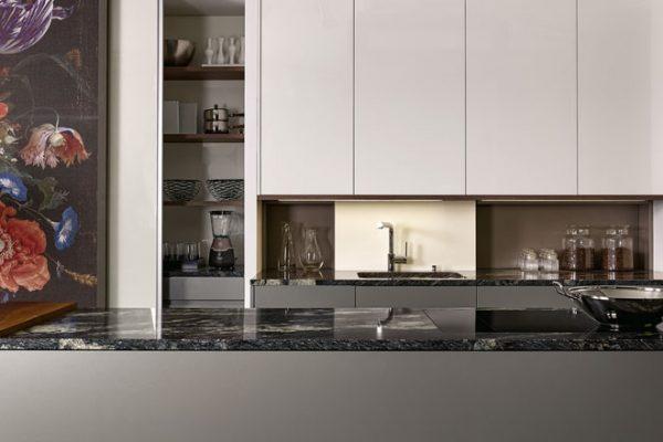 KH Küchen in Salzburg mit edlem Materialmix