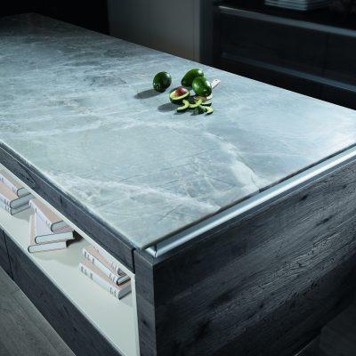 Strasser Küchenarbeitsplatte White Mistral Supreme Line | Miele Center Rehrl Salzburg