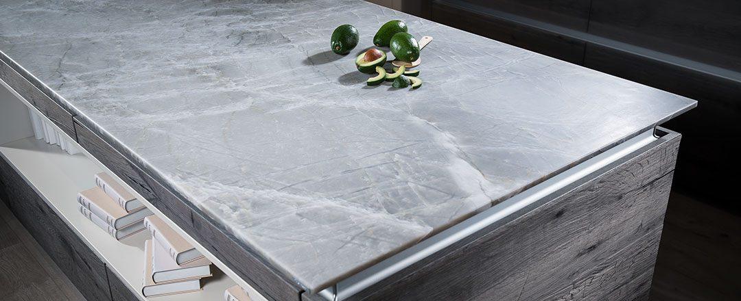 Strasser Küchenarbeitsplatte White Mistral | Miele Center Rehrl Salzburg