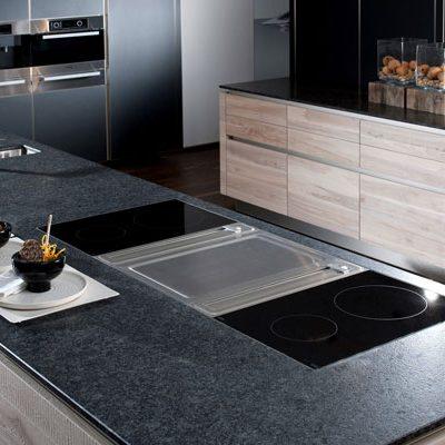 Strasser Küchenarbeitsplatte Silver Pearl | Miele Center Rehrl Salzburg