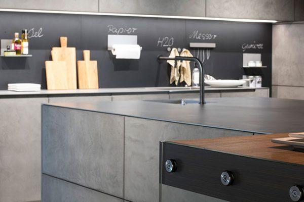 Warendorf Küche Concrete | Edelstahl-Arbeitsfläche | Miele Center Rehrl Salzburg